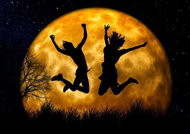 Howl At the Moon Run